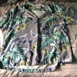 Men's tommy Bahama Hawaiian shirt